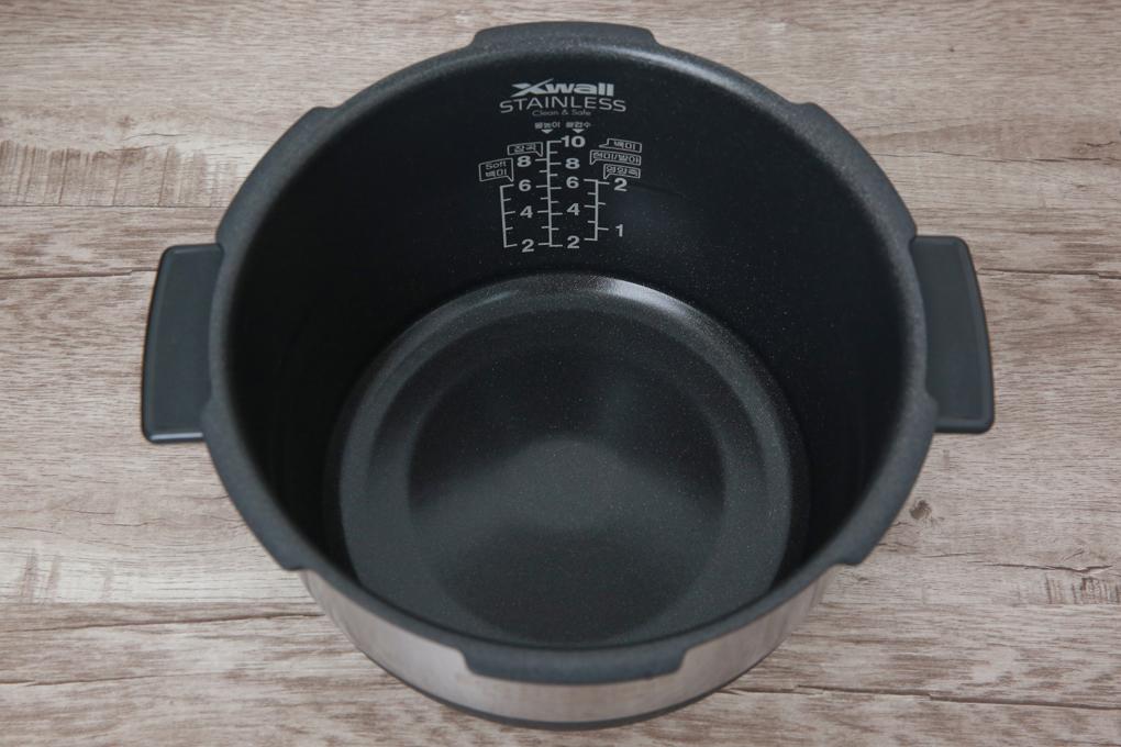 Lòng nồi cơm điện bằng hợp kim nhôm tráng men chống dính, cơm chín ngon - Nồi cơm điện cao tần Cuckoo 1.8 lít CRP- CHSS1009FN