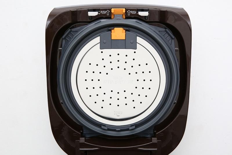 Nắp trong có thể tháo rời, dễ chùi rửa - Nồi cơm điện cao tần Zojirushi 1.8 lít NP-BSQ18V-TA