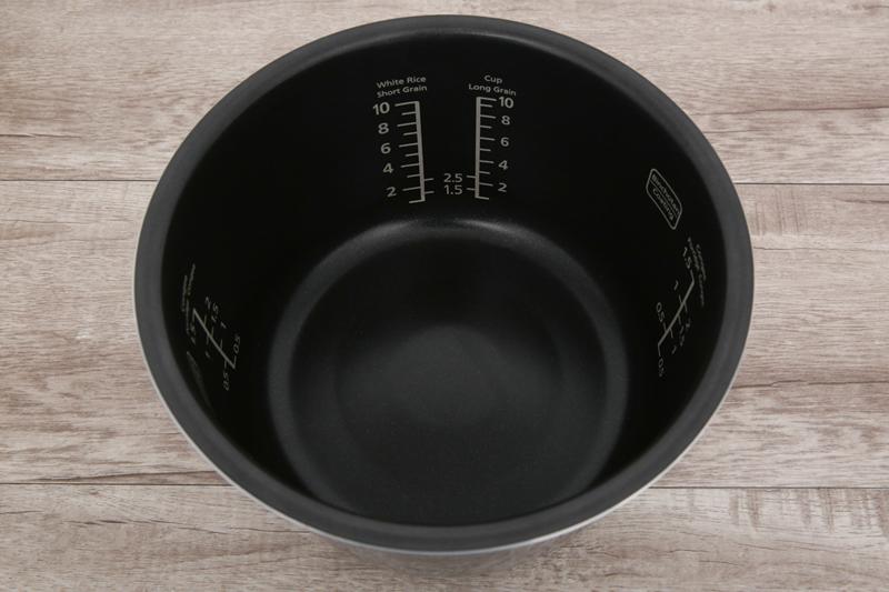 Lòng nồi dày bền nấu ngon - Nồi cơm điện cao tần Panasonic 1.8 lít SR-AFM181WRA