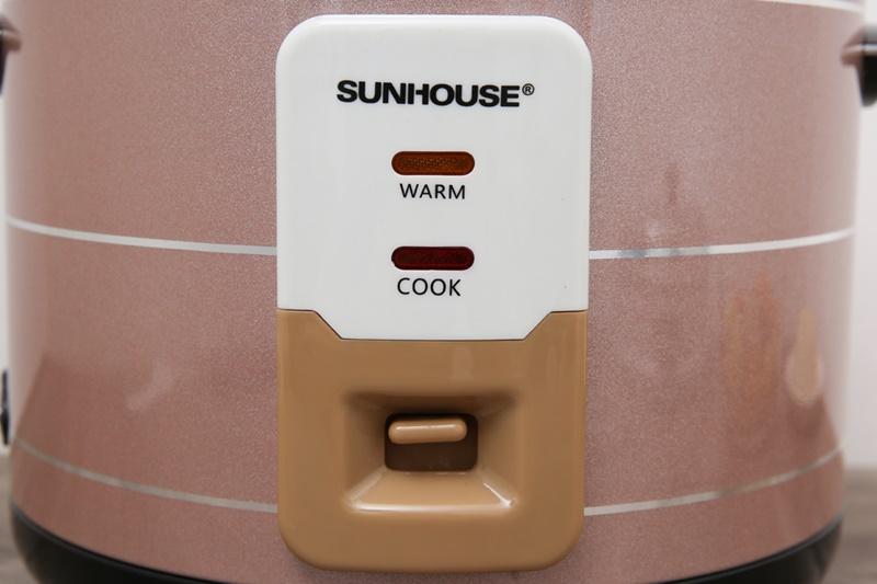 Dễ thay đổi chế độ nấu và giữ ấm với thiết kế cần gạt - Nồi cơm nắp rời Sunhouse 1.8 lít SHD8125