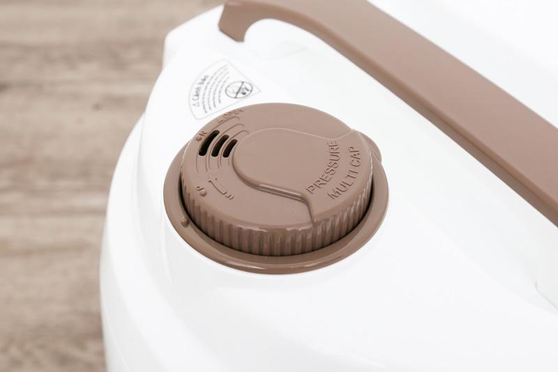 Van thoát hơi thông minh - Nồi cơm nắp gài Supor 1.8 lít CFXB50YB13VN-CF-50