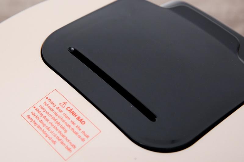 Van thoát hơi kích cỡ lớn - Nồi cơm điện tử Toshiba 1.8 lít RC-18DR1NV