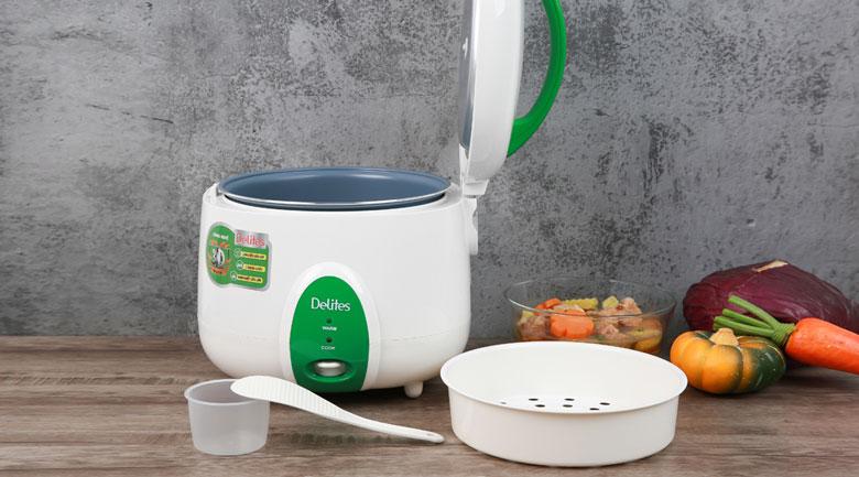 Tặng kèm xửng hấp, cốc đong gạo, muỗng lấy cơm - Nồi cơm nắp gài Delites 1.8 lít NCG1010