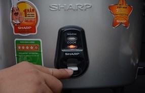 Sử dụng dễ dàng Nồi cơm nắp rời Sharp KSH-219V