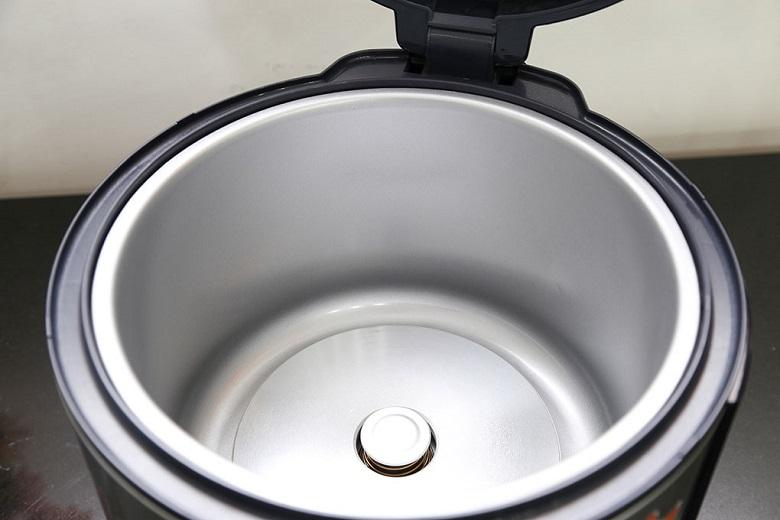 Công nghệ nấu 2D: có 2 mâm nhiệt giúp cơm chín đều, tơi xốp