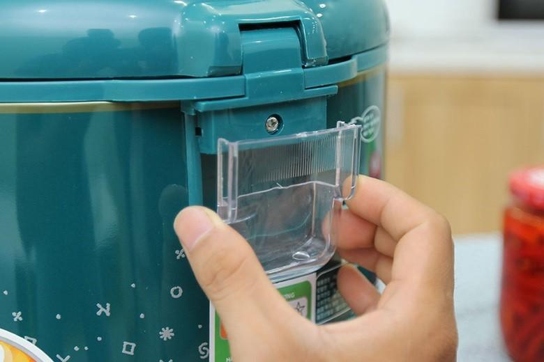 Khay chứa nước thừa dễ tháo lắp