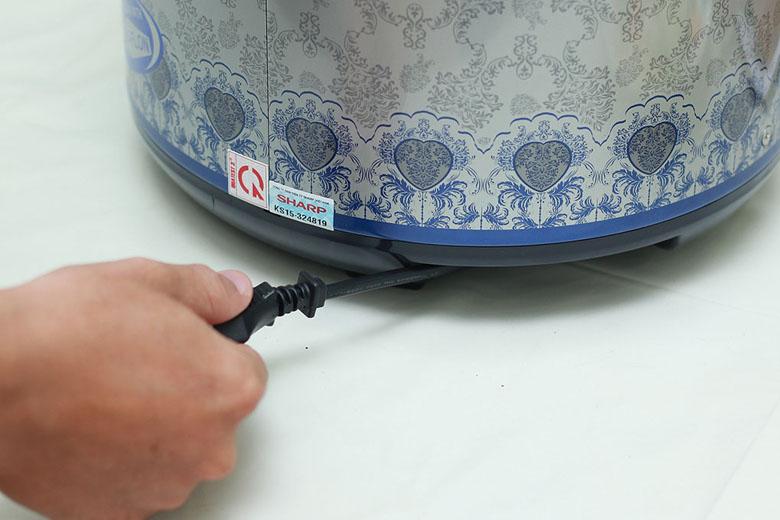 Thiết kế dây kéo đơn giản, gon gàng, tiện bảo quản