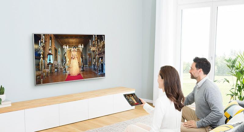Smart Tivi Panasonic 4K 43 inch TH-43EX600V - Chiếu màn hình điện thoại lên tivi
