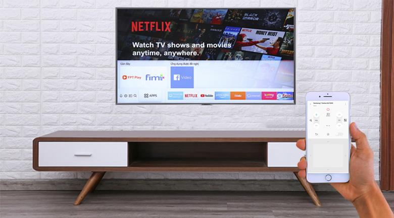 Điều khiển tivi bằng điện thoại trên Smart Tivi Samsung 4K 55 inch UA55NU7400
