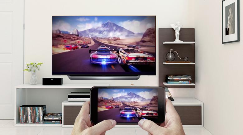 Chiếu lên màn hình Smart Tivi OLED LG 4K 65 inch 65C8PTA với tính năng Screen Mirroring