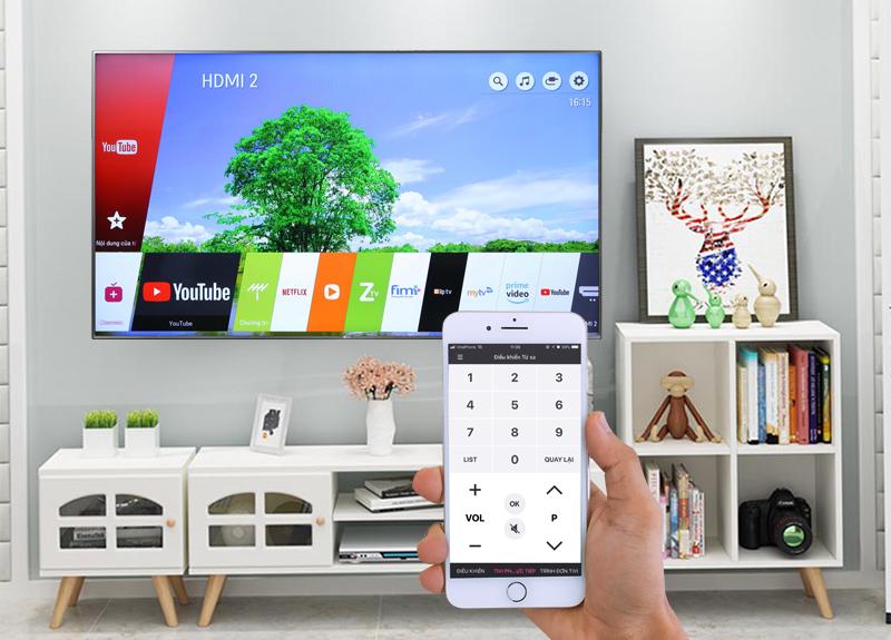 Điều khiển tivi bằng điện thoại trên Smart Tivi LG 4K 65 inch 65UK6540PTD