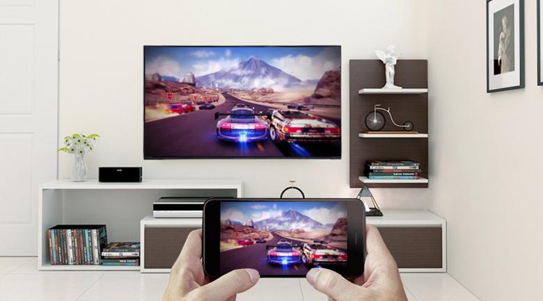 Chiếu lên màn hình Smart Tivi Panasonic 50 inch TH-50FS500V bằng công nghệ Screen Mirroring