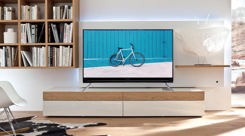 Tổng quan thiết kế Smart Tivi Sharp FHD 40 inch LC-40SA5500X