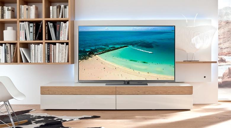 Kiểu dáng sang trọng, hiện đại trên Smart Tivi Panasonic 4K 49 inch TH-49FX800V