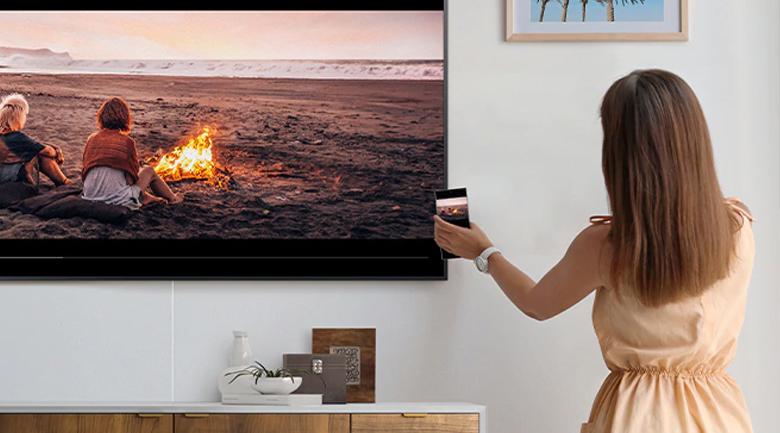 Smart Tivi QLED Samsung 4K 55 inch QA55LS03T - Tap View