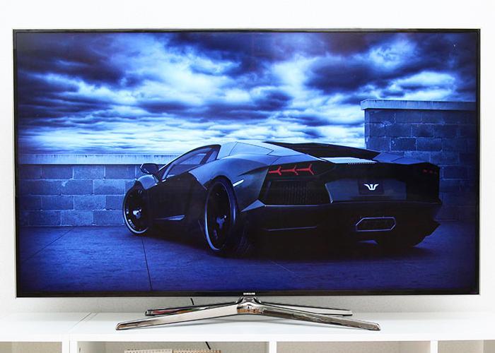 Thiết kế vẻ ngoài tivi hiện đại, ấn tượng