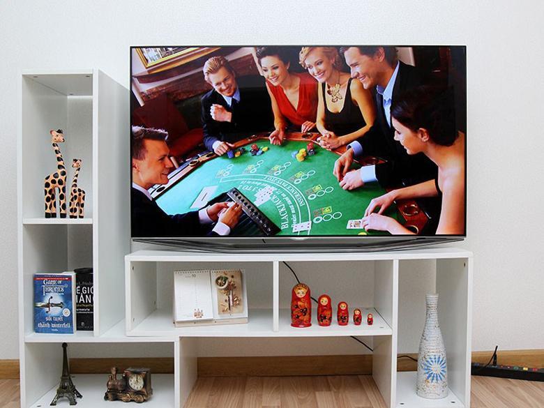 Tivi LED Samsung UA55H7000- Smart tivi công nghệ cao