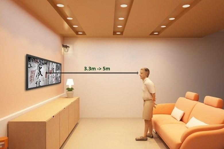 Khoảng cách hợp lý để xem tivi là: 3.3 – 5 m