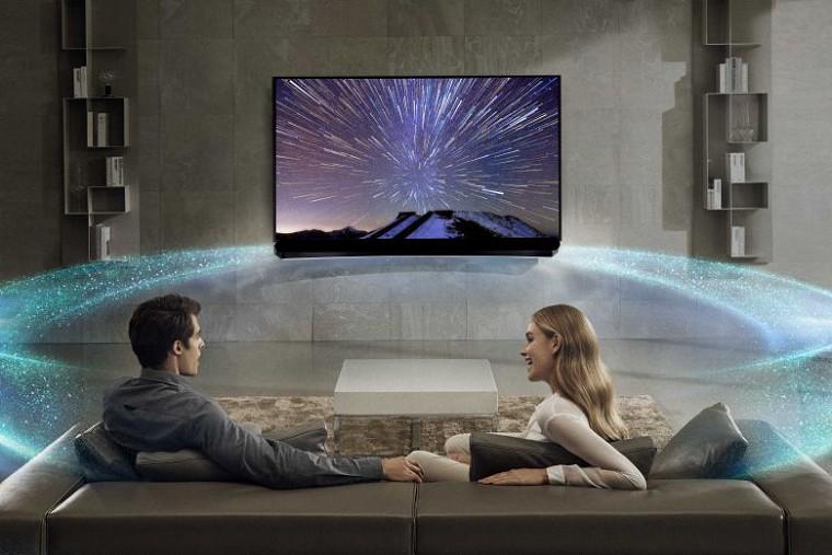 Smart Tivi 3D Panasonic TH-65DX900V - Âm thanh bùng nổ