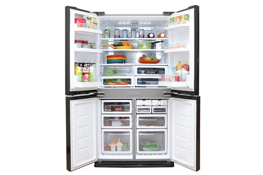 Tủ lạnh 4 cửa mở rộng giúp tối ưu hóa không gian bảo quản thực phẩm