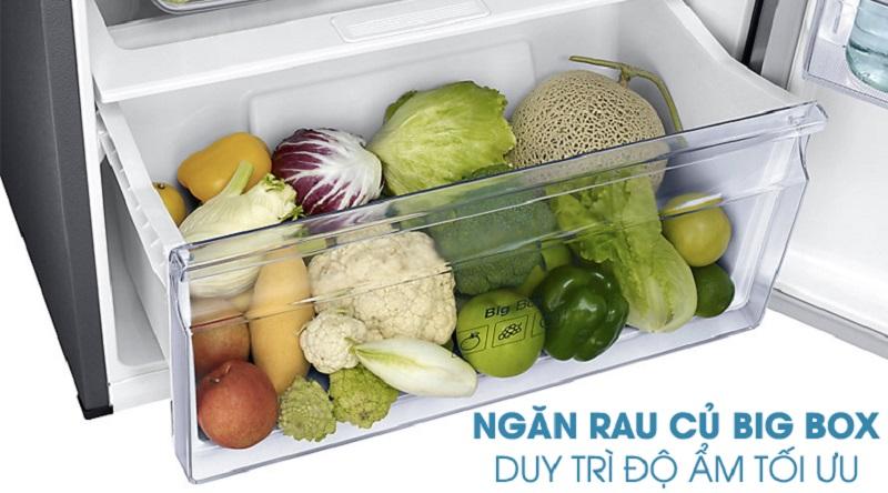 Giữ nguyên được độ tươi ngon của rau củ với ngăn giữ ẩm Bigbox - Tủ lạnh Samsung Inverter 360 lít RT35K5982S8/SV