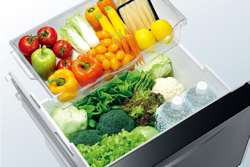 Ngăn rau củ lớn, bảo quản tối ưu hơn - Tủ lạnh Hitachi inverter 375 lít R-SG38FPG