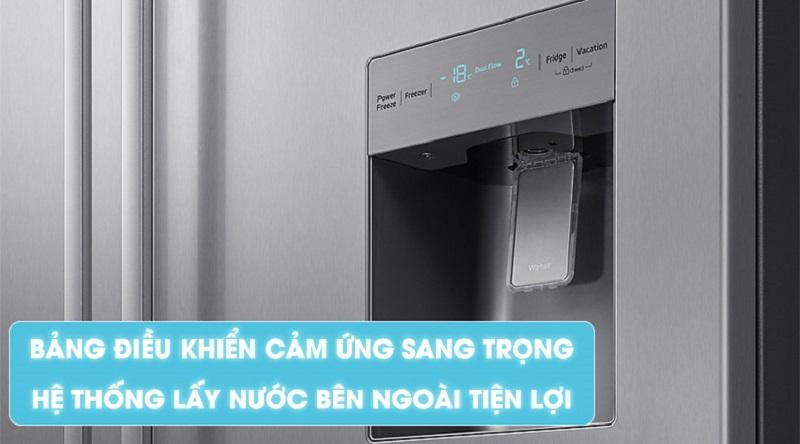 Thiết kế bảng điều khiển và ngăn lấy nước bên ngoài tiện dụng - Tủ lạnh Samsung Inverter 538 lít RS52N3303SL/SV