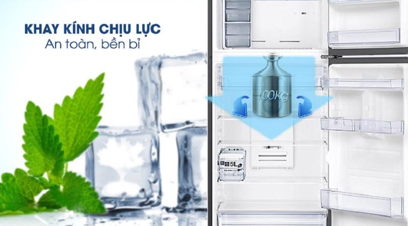 hoải mái tích trữ thực phẩm nhờ khay kính chịu lực cực tốt - Tủ lạnh Samsung Inverter 360 lít RT35K5982BS/SV