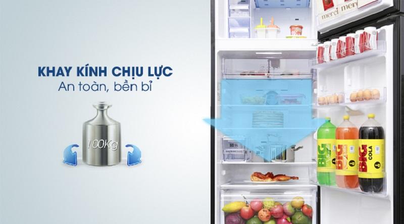 An tâm hơn với khay chứa làm từ kính chịu lực tốt - Tủ lạnh Samsung Inverter 380 lít RT38K5982DX/SV
