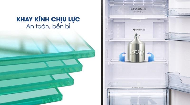 Khay kính chịu lực, an toàn khi sử dụng - Tủ lạnh Panasonic Inverter 366 lít NR-BL389PKVN