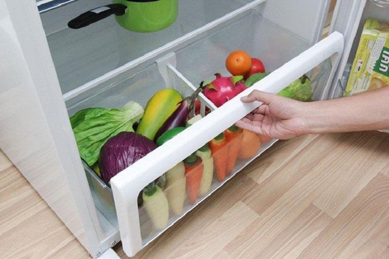 Ngăn rau củ tăng cường độ ẩm, bảo quản tốt hơn - Tủ lạnh Toshiba Inverter 233 lít GR-A28VS (DS)