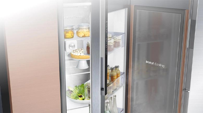 Duy trì ổn định nhiệt độ tủ lạnh tốt hơn với tấm chắn nhiệt Metal Cooling - Tủ lạnh Samsung Inverter 617 lít RS64R5101SL/SV Mẫu 2019
