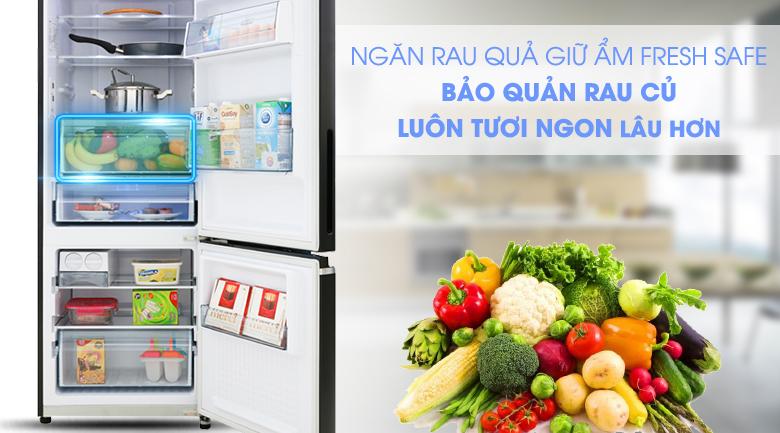 Giữ ẩm rau quả tươi ngon với ngăn Fresh Safe - Tủ lạnh Panasonic Inverter 290 lít NR-BV320GKVN