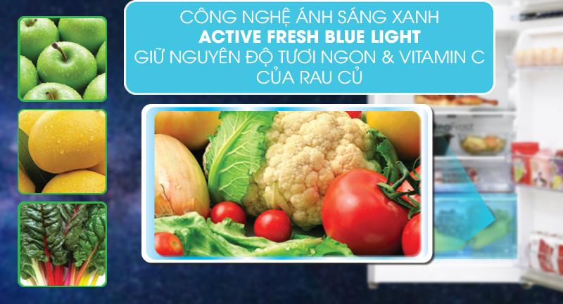 Tủ lạnh Beko Inverter 392 lít RDNT440E50VZGB -Tránh thất thoát lượng vitamin có trong rau củ với Active Blue Light
