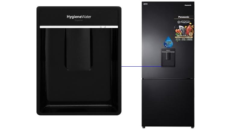 Ngăn lấy nước ngoài Tủ lạnh Panasonic Inverter 368 lít NR-BX410WKVN