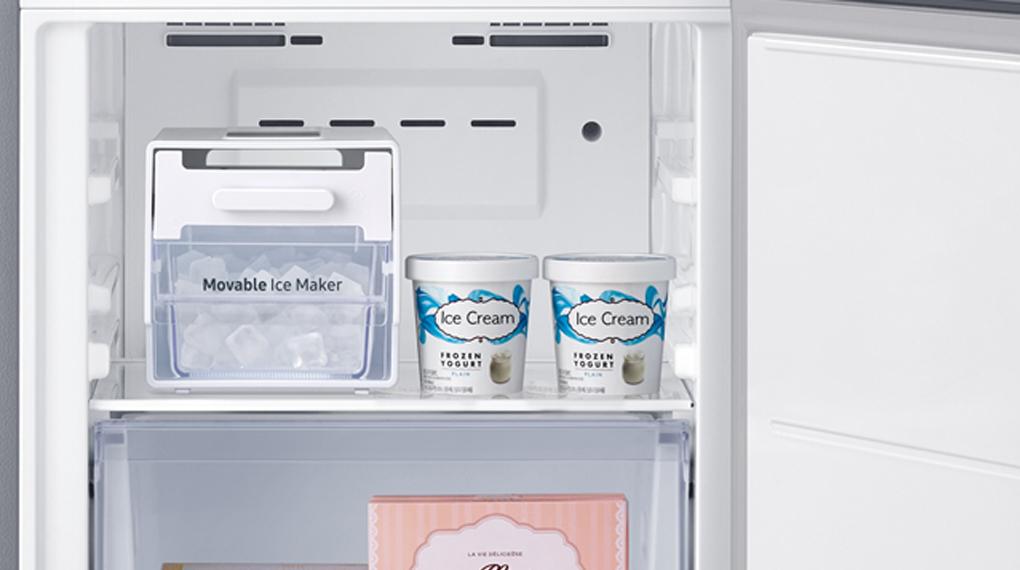 Tủ lạnh Panasonic Inverter 306 lít NR-TV341VGMV-Thiết kế khay đá linh hoạt, tối ưu hóa không gian dự trữ