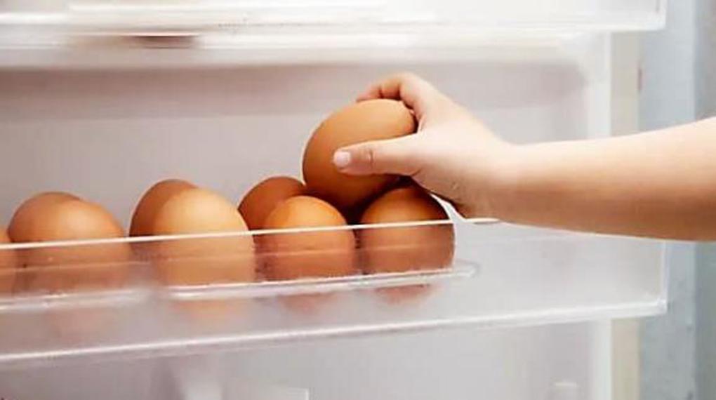 Tủ lạnh Panasonic Inverter 366 lít NR-TL381GPKV - Khay trứng 16 lỗ