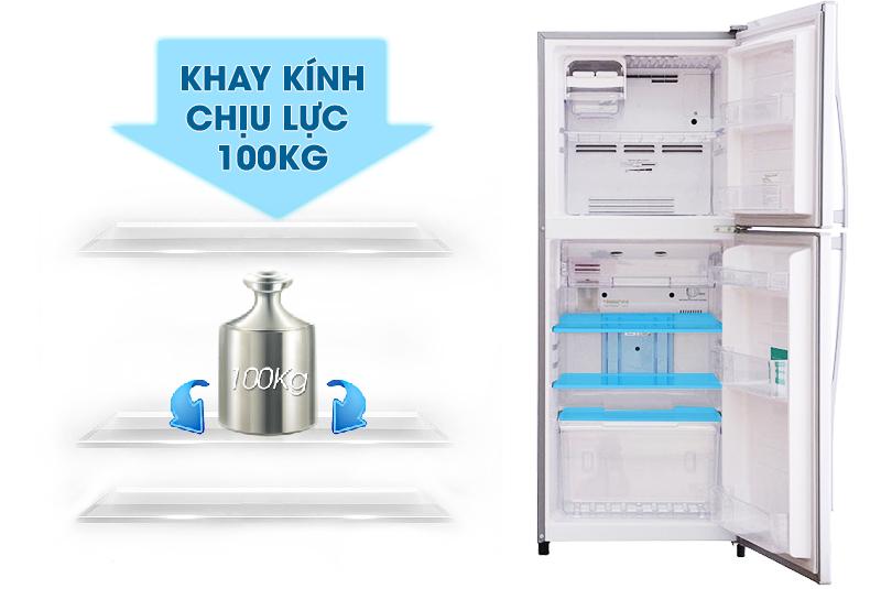 Với khay kính chịu lực, bạn sẽ dễ dàng và an tâm hơn trong việc sắp xếp các thực phẩm nặng vào tủ lạnh Toshiba GR-S21VPB