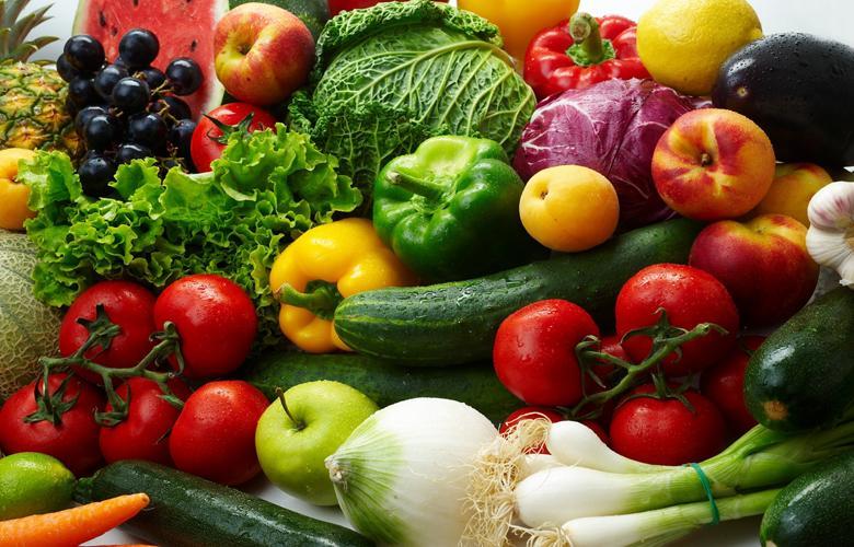 Thoải mái chất thật nhiều thực phẩm lên trên ngăn kệ
