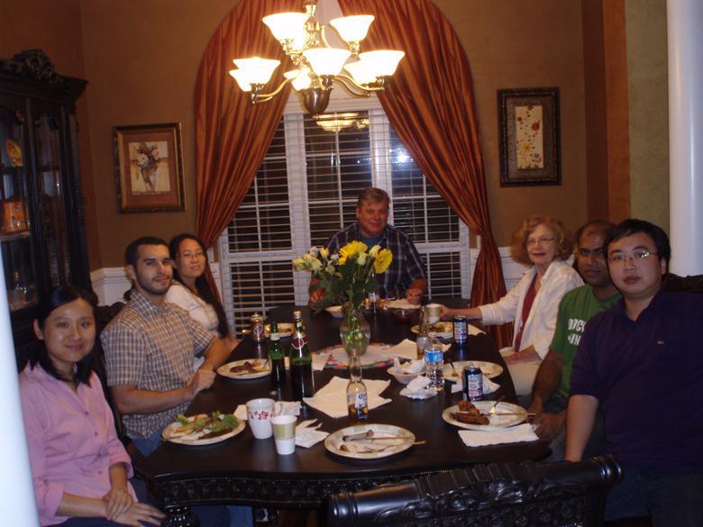 Dung tích lớn thích hợp với các bữa tiệc gia đình
