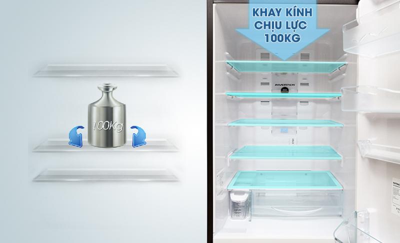 Khay kính chịu lực của tủ lạnh Hitachi R-SG37BPG giúp nó có thể chịu được lượng lớn thực phẩm