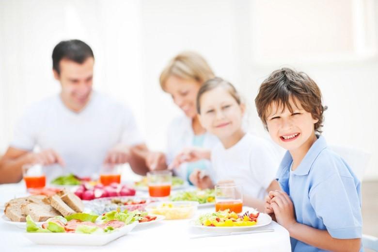 Tủ lạnh có dung tích lớn có thể dự trữ đủ thực phẩm cho gia đình có nhiều thành viên