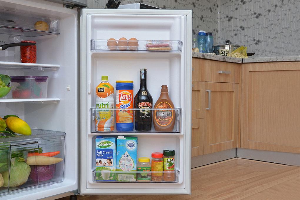 Tủ lạnh Panasonic 188 lít NR-BM229 SSVN