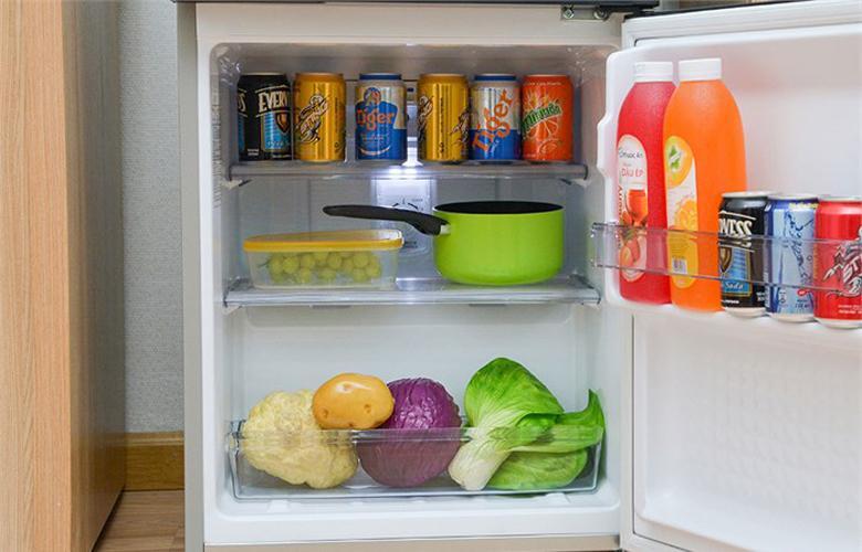 Tủ lạnh Panasonic NR-BJ151SSV1-4