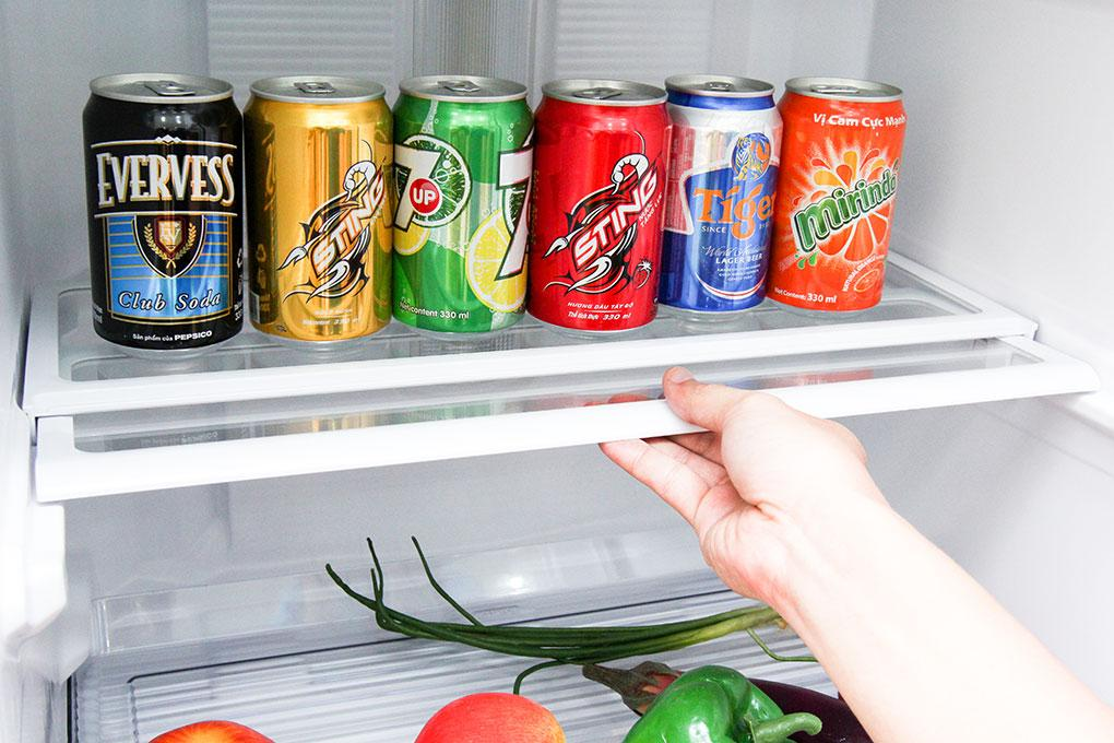 Khay kệ dạng kéo gập cho phép tăng thêm diện tích lưu trữ thực phẩm