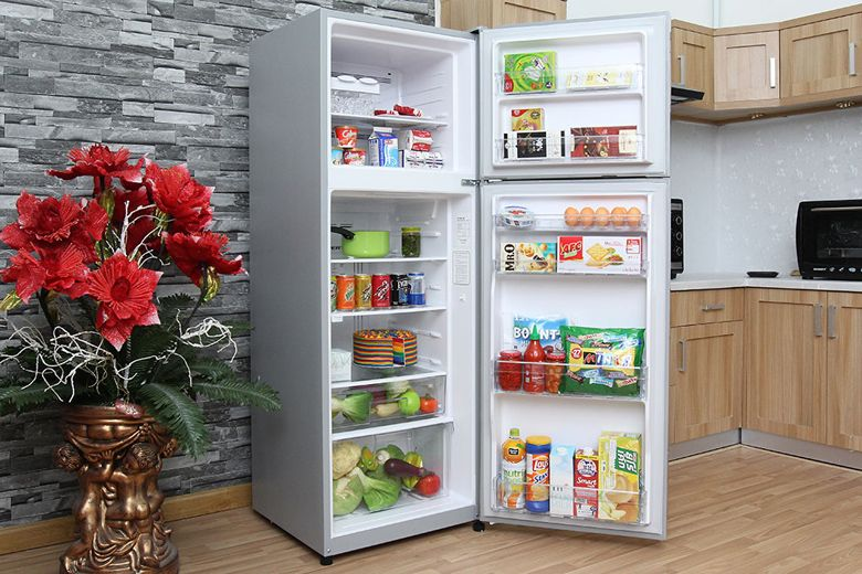Tủ lạnh có hệ thống khay kệ đa dạng và linh hoạt