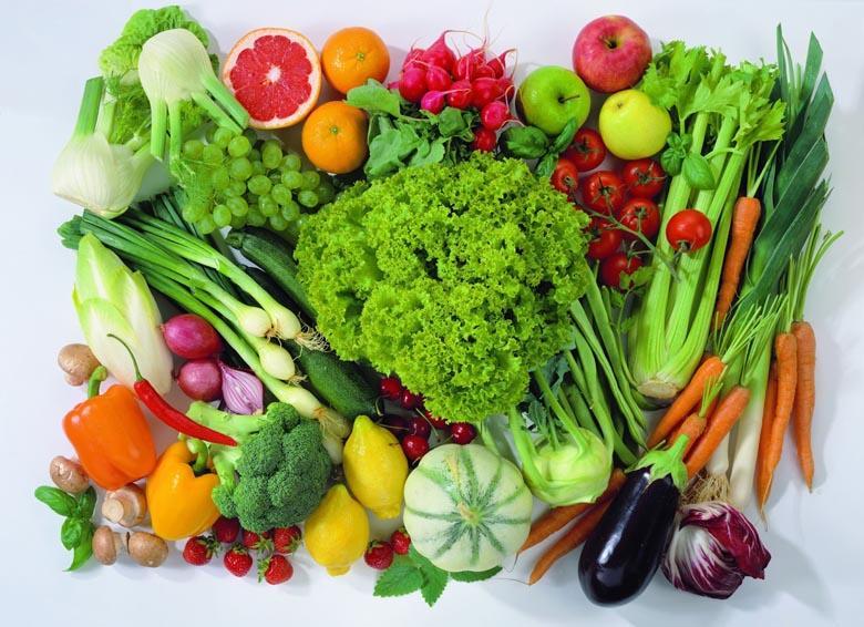 Tủ lạnh trang bị khay kính chịu lực, chứa nhiều thực phẩm hơn