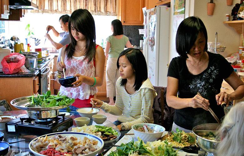 Tủ lạnh phục vụ nhu cầu bảo quản thực phẩm lớn của gia đình đông thành viên