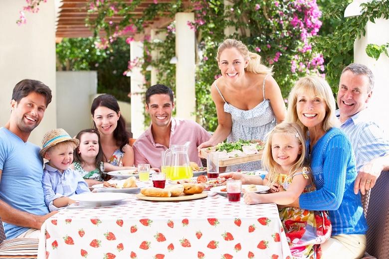 Dung tích lớn giúp bạn lưu trữ thực phẩm cho gia đình nhiều hơn