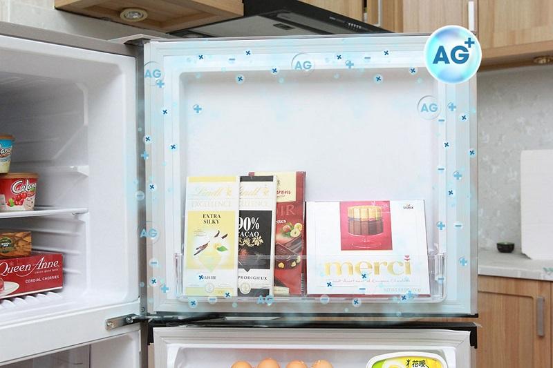 Với đệm cửa và thành tủ kháng khuẩn, tủ lạnh Mitsubishi Electric MR-FV24J-PS-V tạo ra lớp bảo vệ